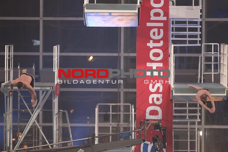 27.11.2010, Olympia Schwimmhalle, Muenchen, GER, TV Total Turmspringen, im Bild  Stefan Raab / Elton, Foto © nph / Straubmeier