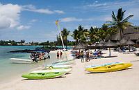 MUS, Mauritius, Grand Baie: Merville Hotel - Strand | MUS, Mauritius, Grand Baie: Merville Hotel - beach