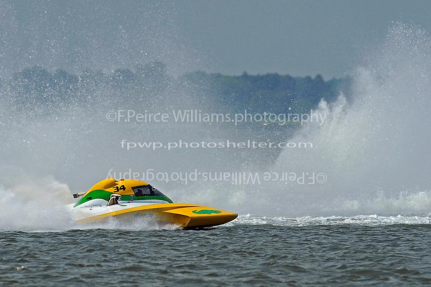 "First alternate Matt O'Connor, E-34 ""The Gator"" chases the field.  (5 Litre class hydroplane(s)"