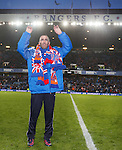 Fernando Ricksen waves farewell to the Rangers fans at Ibrox