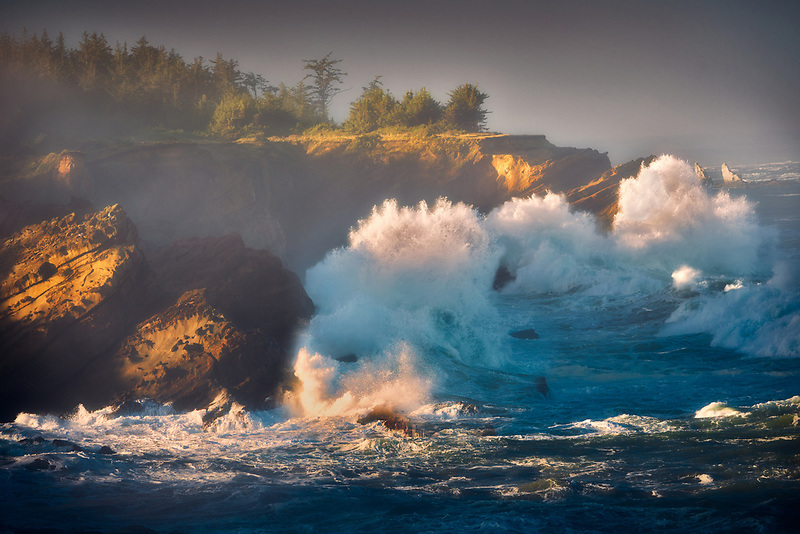 Storm waves at Shore Acres State Park, Oregon