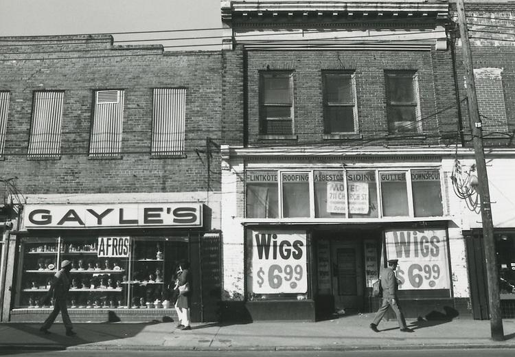 UNDATED  1980?..Church Street ?.Gayle's Wigs..NEG#.NRHA#..