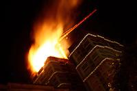 SÃO PAULO, 17 DE AGOSTO, 2012 - INCÊNDIO PREDIO EM CONSTRUÇÃO - Incendio /predio em construcao, rua Visconde de Taunay c/Jaragua - Bom Retiro, sem feridos, 26 andares, fogo no topo - 4 viaturas do corpo de bombeiros estiveram no local - fogo comecou por volta da 2h30 da manha - FOTO LOLA OLIVEIRA-BRAZIL PHOTO PRESS