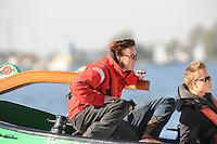 SKUTSJESILEN: SNEEK: Snitser Mar, 16-10-2011, Roekoepôle race, Skûtsje 'Jonge Jasper', schipper Froukje Osinga-Meijer, ©foto Martin de Jong