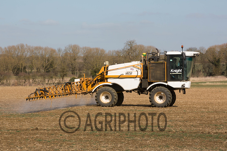 Knight sprayer spraying for Black-Grass<br /> Picture Tim Scrivener 07850 303986