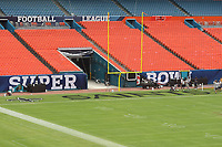 Super Bowl XLIV im Sun Life Stadium von Miami<br /> Super Bowl XLIV Media Day, Sun Life Stadium *** Local Caption *** Foto ist honorarpflichtig! zzgl. gesetzl. MwSt. Auf Anfrage in hoeherer Qualitaet/Aufloesung. Belegexemplar an: Marc Schueler, Alte Weinstrasse 1, 61352 Bad Homburg, Tel. +49 (0) 151 11 65 49 88, www.gameday-mediaservices.de. Email: marc.schueler@gameday-mediaservices.de, Bankverbindung: Volksbank Bergstrasse, Kto.: 52137306, BLZ: 50890000