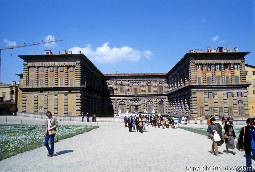 Florence: Pitti Palace, 15th - 19th century. Greatly enlarged in 19th century. Photo '83.