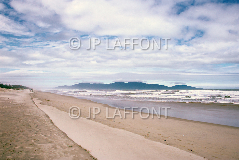 Danang, February 1988. View of the beach of Danang.