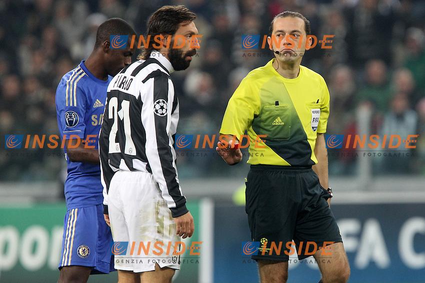 "Refree Cuneyt çakir e Andrea Pirlo.Torino 20/11/2012 Stadio ""Juventus"".Football Calcio UEFA Champions League 2012/13.Juventus v Chelsea.Foto Insidefoto Paolo Nucci."