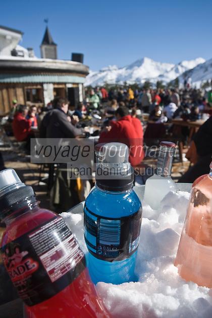 Europe/France/73/Savoie/Val d'Isère: Restaurant  et discothèque d'Altitude: La Folie douce    au sommet du telecabine de la Daille 2290m