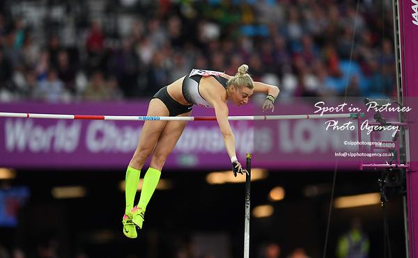 Lisa Ryzih (GER) in the womens pole vault. IAAF world athletics championships. London Olympic stadium. Queen Elizabeth Olympic park. Stratford. London. UK. 06/08/2017. ~ MANDATORY CREDIT Garry Bowden/SIPPA - NO UNAUTHORISED USE - +44 7837 394578