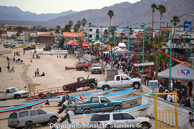 Crowds fill the street,beach and boardwalk (malecon,) during Spring Break<br /> (2)