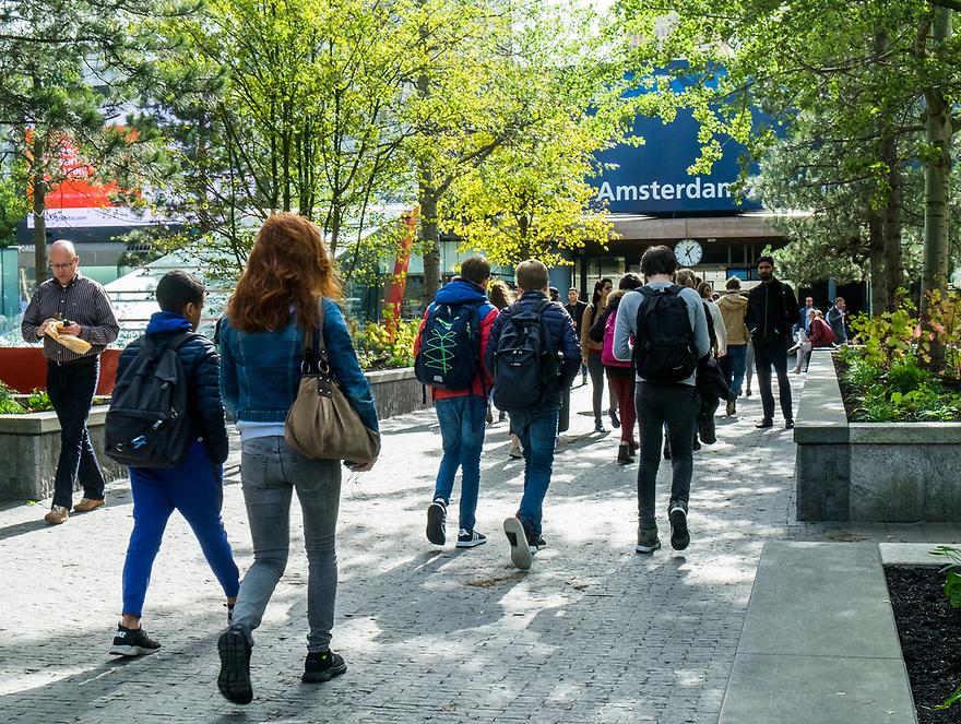 Nederland, Amsterdam, 20171003<br /> Amsterdam Zuidas. Zakencentrum van Amsterdam. Station Amsterdam Zuid WTC<br /> <br /> Foto: (c) Michiel Wijnbergh