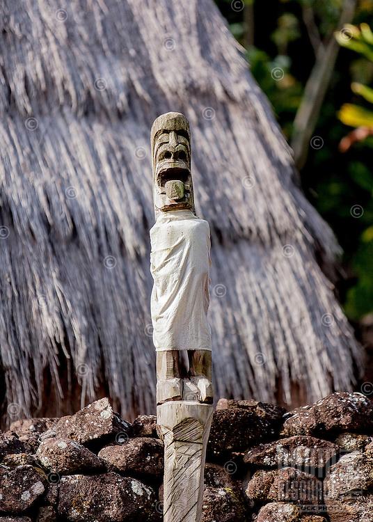 Hawaiian statue in Hale O Lono Heiau, Waimea Valley, O'ahu