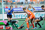The Hague, Netherlands, June 12: Carlien Dirkse van den Heuvel #9 of The Netherlands tries to score during the field hockey semi-final match (Women) between The Netherlands and Argentina on June 12, 2014 during the World Cup 2014 at Kyocera Stadium in The Hague, Netherlands. Final score 4-0 (3-0)  (Photo by Dirk Markgraf / www.265-images.com) *** Local caption *** Belen Succi #1 of Argentina, Carlien Dirkse van den Heuvel #9 of The Netherlands