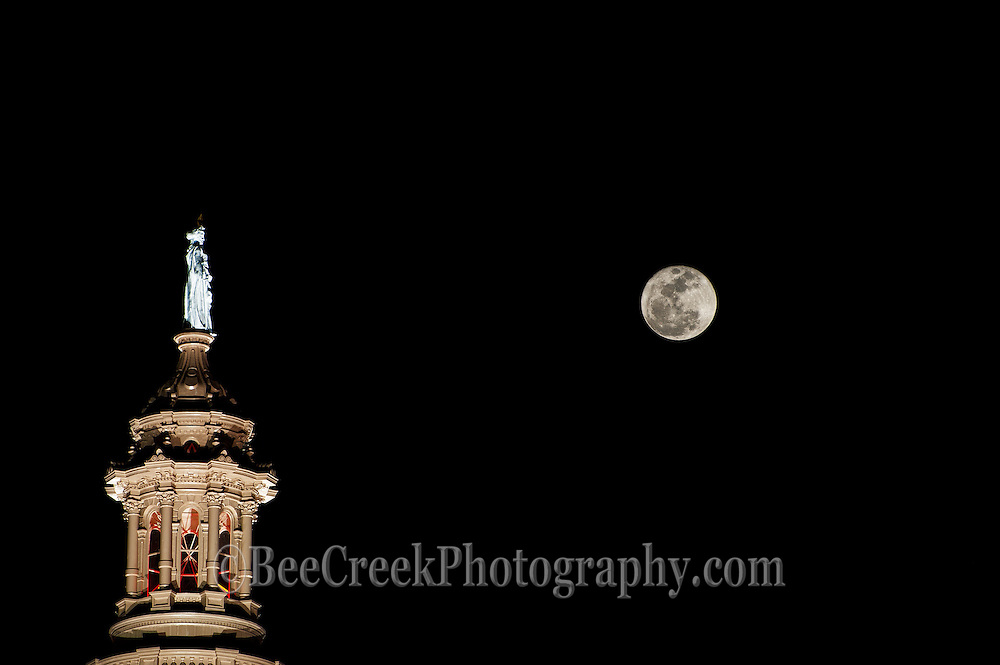 Super Moon perigee over the Capital of Texas in downtown Austin.