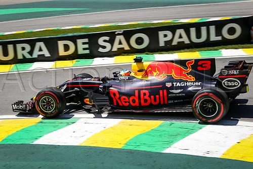 10th November 2017, Autodromo Jose Carlos Pace, Sao Paolo, Brazil; F1 Grand Prix of Brazil, Free practise sessions; 3 Daniel Ricciardo (AUS, Red Bull Racing), Sao Paulo Brazil