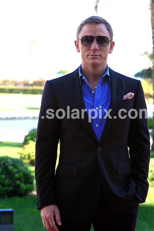**ALL ROUND PICTURES FROM SOLARPIX.COM**.**SYNDICATION RIGHTS FOR UK, CANADA, USA, SOUTH AFRICA, SOUTH AMERICA, DUBAI, AUSTRALIA, NEW ZEALAND, GREECE, ASIA & RUSSIA**.Photocall for the new James Bond film Quantum Of Solace, at the Hotel Las Arenas in Valencia, Spain. 6th November 2008..This pic: Daniel Craig..JOB REF: 7810 SPA     DATE: 06_11_2008.**MUST CREDIT SOLARPIX.COM OR DOUBLE FEE WILL BE CHARGED* *UNDER NO CIRCUMSTANCES IS THIS IMAGE TO BE REPRODUCED FOR ANY ONLINE EDITION WITHOUT PRIOR PERMISSION*