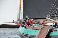 SKUTSJESILEN: WOUDSEND: Hegemer Mar, 06-08-2012, SKS skûtsjesilen, wedstrijd Woudsend, Lemster skûtsje, Jaap Jongsma (adviseur), Lieuwe Bergstra (zwaardenman), Lowy Friso (grootschoot), Fimme Brouwer (grootschoot), schipper Johannes Meeter, ©foto Martin de Jong