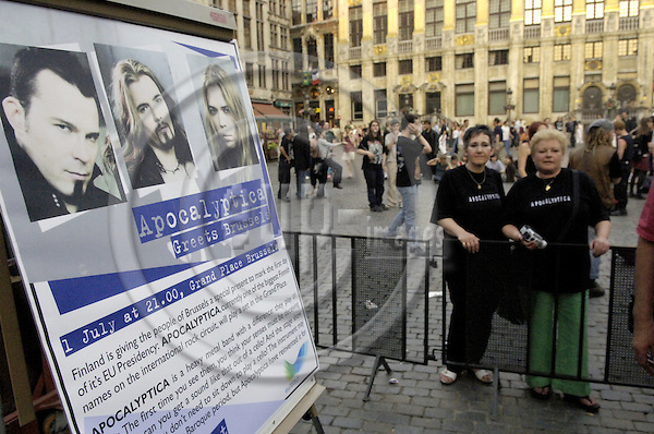 Brussels-Belgium - 01 July 2006---Finnish rock bands MELROSE and APOCALYPTICA set the Grand Place of Brussels under vibrations, to mark the start of the Finnish EU-Presidency; here, fans awaiting the performance of APOCALYPTICA---Photo: Horst Wagner/eup-images
