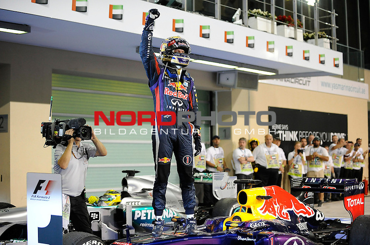 01.-03.11.2013, Yas-Marina-Circuit, Abu Dhabi, UAE, Grosser Preis von Abu Dhabi, im Bild Sebastian Vettel (GER), Red Bull Racing <br /> for Austria &amp; Germany Media usage only!<br />  Foto &copy; nph / Mathis