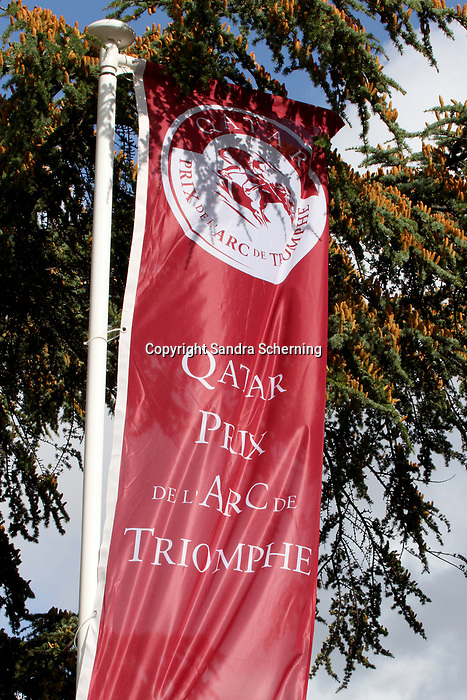 October 06, 2019, Paris (France) - Flags at the Qatar Prix de l'Arc de Triomphe meeting on October 6 in ParisLongchamp. [Copyright (c) Sandra Scherning/Eclipse Sportswire)]