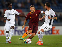 Calcio, Europa League: Roma vs Astra Giurgiu. Roma, stadio Olimpico, 29 settembre 2016.<br /> Roma&rsquo;s Francesco Totti, center, is challenged by Astra Giurgiu&rsquo;s Boubacar Mansaly, left, and Viorel Nicoara, during the Europa League Group E soccer match between Roma and Astra Giurgiu at Rome's Olympic stadium, 29 September 2016. Roma won 4-0.<br /> UPDATE IMAGES PRESS/Isabella Bonotto