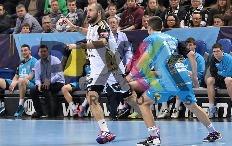 Kiel, 15.02.15, Sport, Handball, Champions League, Gruppenphase, THW Kiel - HC Metalurg Skopje Marko Buvinic (HC Metalurg Skopje, #15), Joan Ca&ntilde;ellas (THW Kiel, #21)<br /> <br /> Foto &copy; P-I-X.org *** Foto ist honorarpflichtig! *** Auf Anfrage in hoeherer Qualitaet/Aufloesung. Belegexemplar erbeten. Veroeffentlichung ausschliesslich fuer journalistisch-publizistische Zwecke. For editorial use only.