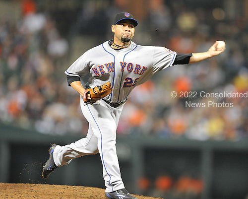 Baltimore, MD - June 18, 2009 -- New York Mets pitcher Pedro Feliciano (25) pitches in the eighth inning against the Baltimore Orioles at Orioles Park at Camden Yards in Baltimore, Maryland on Thursday, June 18, 2009.  The Orioles won the game 5 - 4..Credit: Ron Sachs / CNP.(RESTRICTION: NO New York or New Jersey Newspapers or newspapers within a 75 mile radius of New York City)