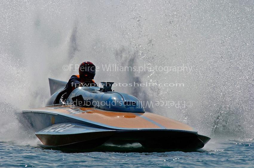 """Bill Winn, H-202 """"Heavy Duty"""" (1964 Lauterbach 7 Litre/Grand Prix hydroplane)"""
