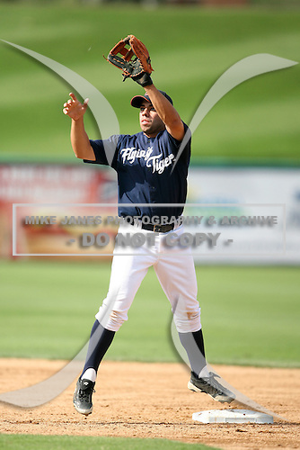 April 11, 2009:  Infielder Roger Tomas of the Lakeland Tigers, Florida State League Single-A affiliate of the Detroit Tigers, during a game at Joker Marchant Stadium in Lakeland, FL.  Photo by:  Mike Janes/Four Seam Images
