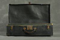 Willard Suitcases / Clara Ann E / ©2014 Jon Crispin