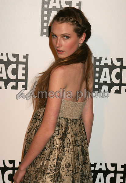 19 February 2006  - Beverly Hills, California - Dree Hemingway. 56th Annual ACE Eddie Awards presented by the American Cinema Editors held at the Beverly Hilton Hotel. Photo Credit: Byron Purvis/AdMedia