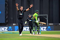 Tim Southee appeals during the One Day International cricket match between the NZ Black Caps and Pakistan at the Basin Reserve in Wellington, New Zealand on Saturday, 6 January 2018. Photo: Dave Lintott / lintottphoto.co.nz