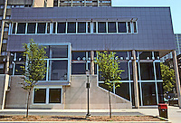Philadelphia: Institute of Contemporary Art, Adele Naude Santos, 1991. Southern elevation. The building actually extends in a low wing quite a distance to left. Photo '91.