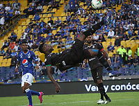 BOGOTÁ- COLOMBIA,21-07-2019:Cesar Carrillo (Izq.) jugador de Millonarios disputa el balón con Miguel Nazarit (Der.) jugador del Once Caldas durante partido por la fecha 2 de la Liga Águila II 2019 jugado en el estadio Nemesio Camacho El Campín de la ciudad de Bogotá. /Cesar Carrillo (L) player of Millonarios fights the ball  against of Miguel Nazarit(R) player of Once Caldas during the  match for the date 2 of the Liga Aguila II 2019 played at the Nemesio Camacho El Campin stadium in Bogota city. Photo: VizzorImage / Felipe Caicedo / Staff