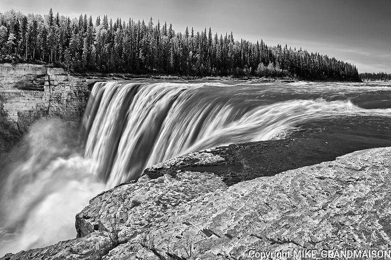 Hay River at Alexandra Falls<br />Twin Falls Gorge Territorial Park<br />Northwest Territories<br />Canada