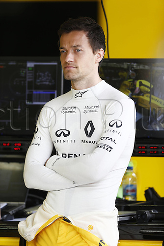 01.04.2016. Bahrain. FIA Formula One World Championship 2016, Grand Prix of Bahrain, Practise day.  30 Jolyon Palmer (GBR, Renault Formula 1 Team)
