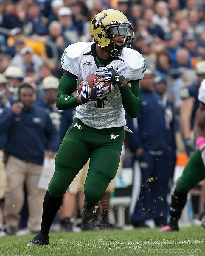 South Florida cornerback Tyson Butler returns an interception. The Pittsburgh Panthers defeated the South Florida Bulls 41-14 at Heinz Field, Pittsburgh, PA on October 24, 2009.
