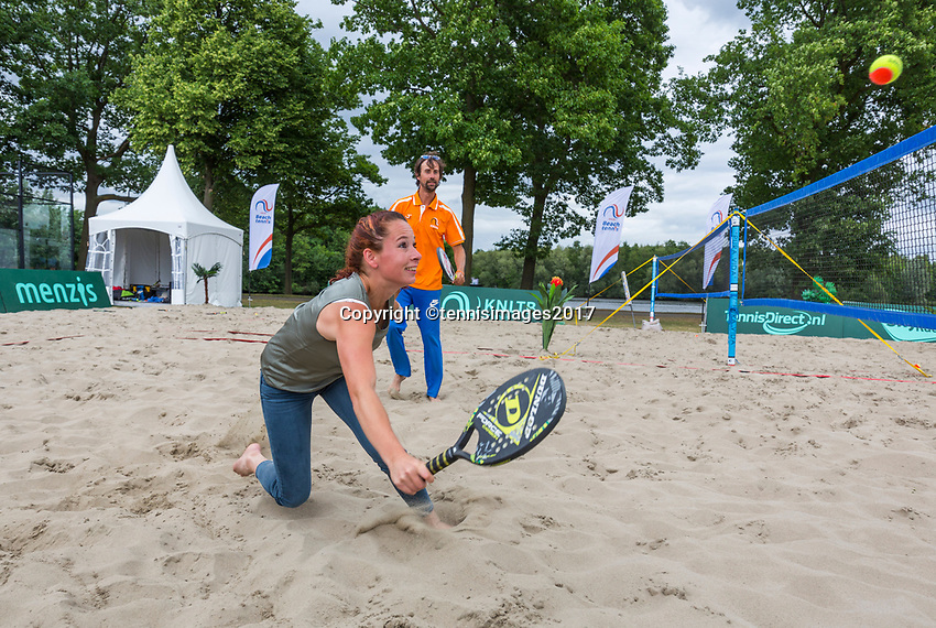 Den Bosch, Netherlands, 16 June, 2017, Tennis, Ricoh Open,  Beachtennis<br /> Photo: Henk Koster/tennisimages.com