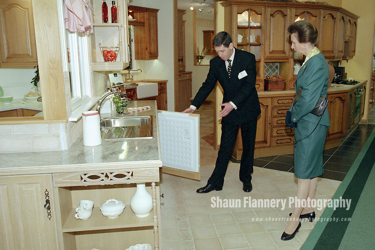 Pix: Shaun Flannery/shaunflanneryphotography.com...COPYRIGHT PICTURE>>SHAUN FLANNERY>01302-570814>>07778315553>>..22nd September 1999..Her Royal Highness, Princess Ann visits Omega, a Doncaster based kitchen manufacturing company based in Thorne, Doncaster.