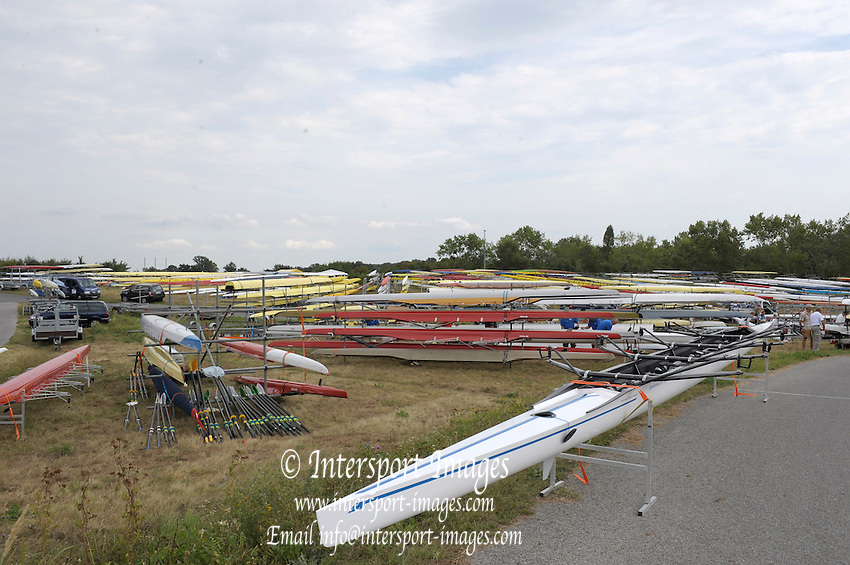 Vienna, AUSTRIA.  GV's - views of the rowing course   crews on the water for training before the  start of the 2009 FISA World Rowing Masters Championships, on the New Danube Rowing Course  Wednesday  02/09/2009  [Mandatory Credit. Peter Spurrier/Intersport Images] YOB Year of birth.