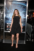 """LOS ANGELES - JAN 23:  Sarah Chalke arrives at  the """"Man On A Ledge"""" Los Angeles Premiere at Graumans Chinese Theater on January 23, 2012 in Los Angeles, CA"""