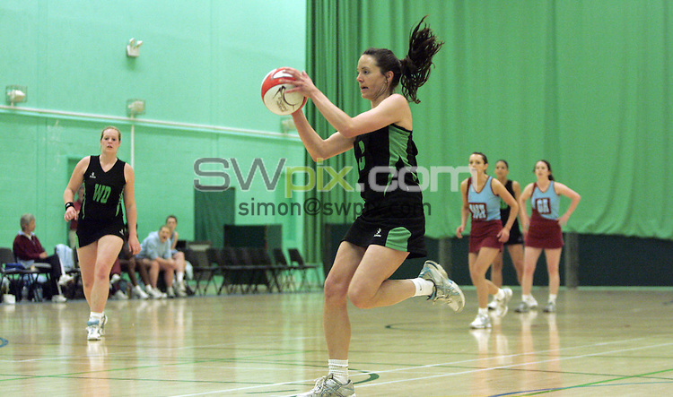 PICTURE BY VAUGHN RIDLEY/SWPIX.COM - Netball - England Netball Premier League Division 1 Play Offs - Sports Village, Hertfordshire, England - 02/05/09...Copyright - Simon Wilkinson - 07811267706...Essex v Wealdon.