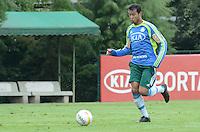 SAO PAULO, 29 DE MARCO DE 2013 - TREINO PALMEIRAS - O jogador Vinicius durante treino do Palmeiras, no CT da Barra Funda, região oeste da capital, na manha desta sexta feira, 29. (FOTO: ALEXANDRE MOREIRA / BRAZIL PHOTO PRESS)