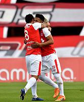 BOGOTÁ - COLOMBIA, 25-08-2018: Los jugadores de Independiente Santa Fe, celebran el gol anotado a Atlético Bucaramanga, durante partido de la fecha 6 entre Independiente Santa Fe y Atlético Bucaramanga, por la Liga Aguila II 2018, en el estadio Nemesio Camacho El Campin de la ciudad de Bogota. / The players of Independiente Santa Fe, celebrate the goal scoring to Atlético Bucaramanga, during a match of the 6th date between Independiente Santa Fe and Atletico Bucaramanga, for the Liga Aguila II 2018 at the Nemesio Camacho El Campin Stadium in Bogota city, Photo: VizzorImage / Luis Ramírez / Staff.
