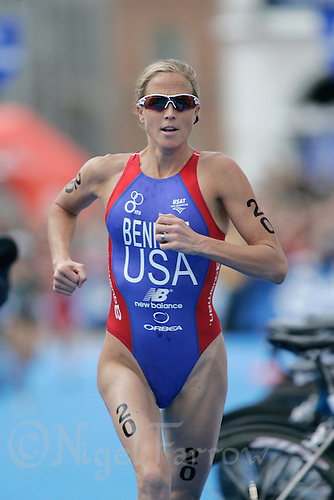01 SEP 2007 - HAMBURG, GER - Laura Bennett (USA) - Elite Womens World Triathlon Championships. (PHOTO (C) NIGEL FARROW)