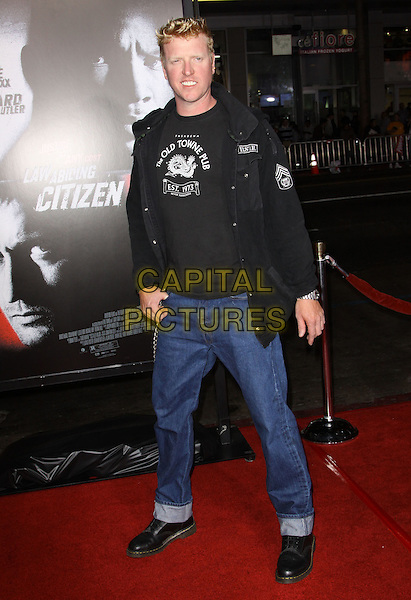 "JAKE BUSEY.Premiere Screening Of Overture Films' ""Law Abiding Citizen"" held At The Grauman Chinese Theatre, Hollywood, California, USA..October 6th, 2009.full length jeans denim black jacket top.CAP/ADM/KB.©Kevan Brooks/AdMedia/Capital Pictures."