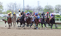 The field before the first turn of the GIII TVG Illinois Derby at Hawthorne Race Course in Cicero/Stickney, IL