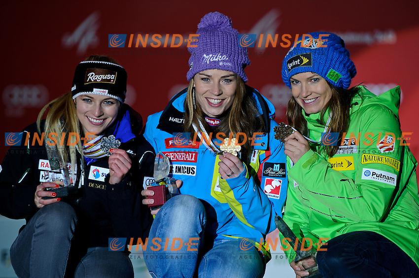 05.02.2013, Medal Plaza, Schladming, AUT, FIS Weltmeisterschaften Ski Alpin, Super G, Damen, Siegerehrung, im Bild v.l. Lara Gut (SUI, 2. Platz), Tina Maze (SLO, 1. Platz), Julia Mancuso (USA, 3. Platz) // from left 2nd place Lara Gut of Switzerland, 1st place Tina Maze of Slovenia, 3rd place Julia Mancuso of United States at the Winner Award Ceremony during Ladies Super G at the FIS Ski World Championships 2013 at the Medal Plaza, Schladming, Austria on 2013/02/05. EXPA Pictures © 2013, PhotoCredit: EXPA/ Sandro Zangrando .Schladming 5/2/2013 .Mondiali Sci 2013.SuperG Donne.Foto Insidefoto - ITALY ONLY